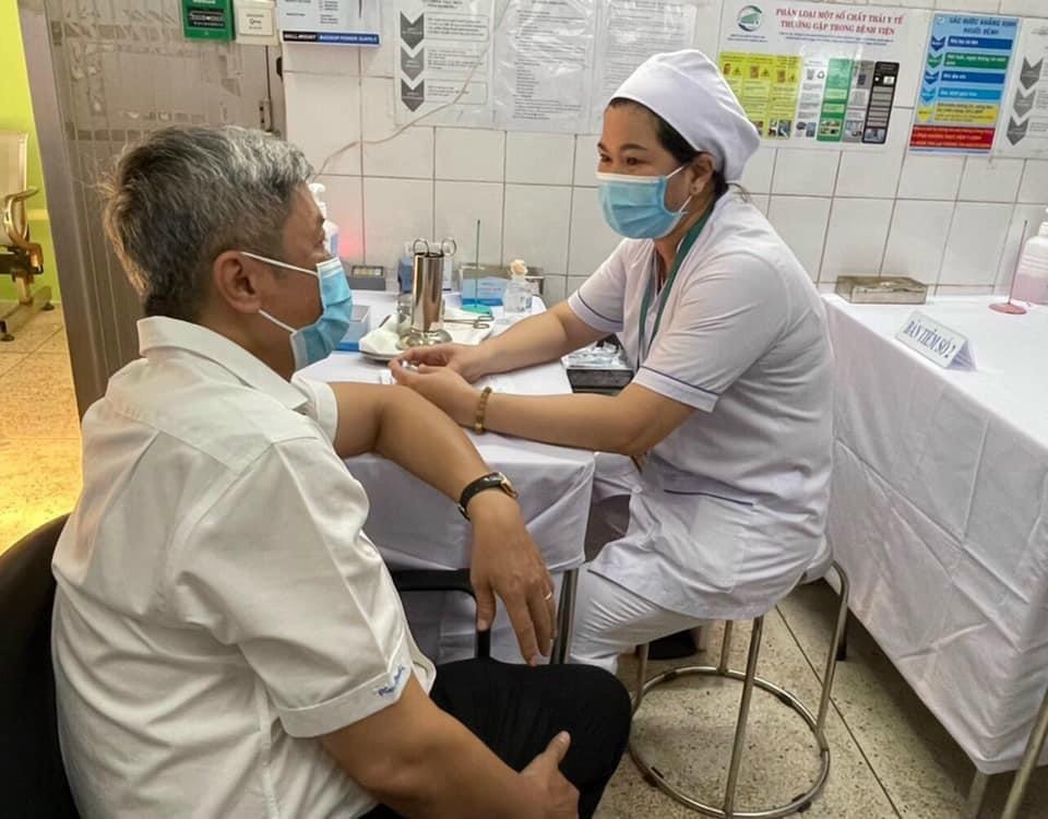 Hôm nay, Việt Nam bắt đầu tiêm vắc xin phòng COVID-19