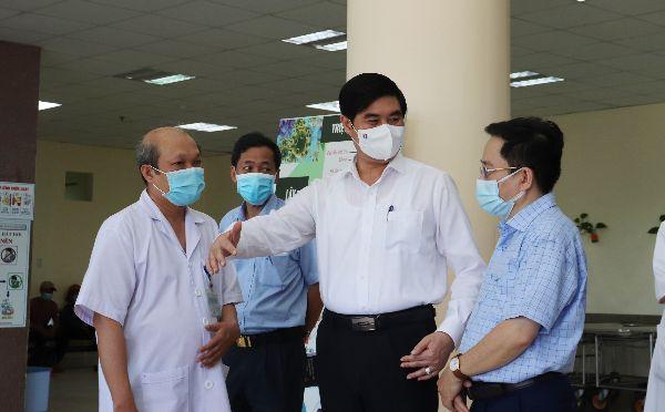 Kiểm tra công tác phòng, chống dịch tại BVĐK tỉnh, TTYT TP Quy Nhơn