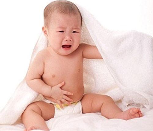 Cẩn thận với bệnh tiêu chảy ở trẻ trong mùa nắng nóng