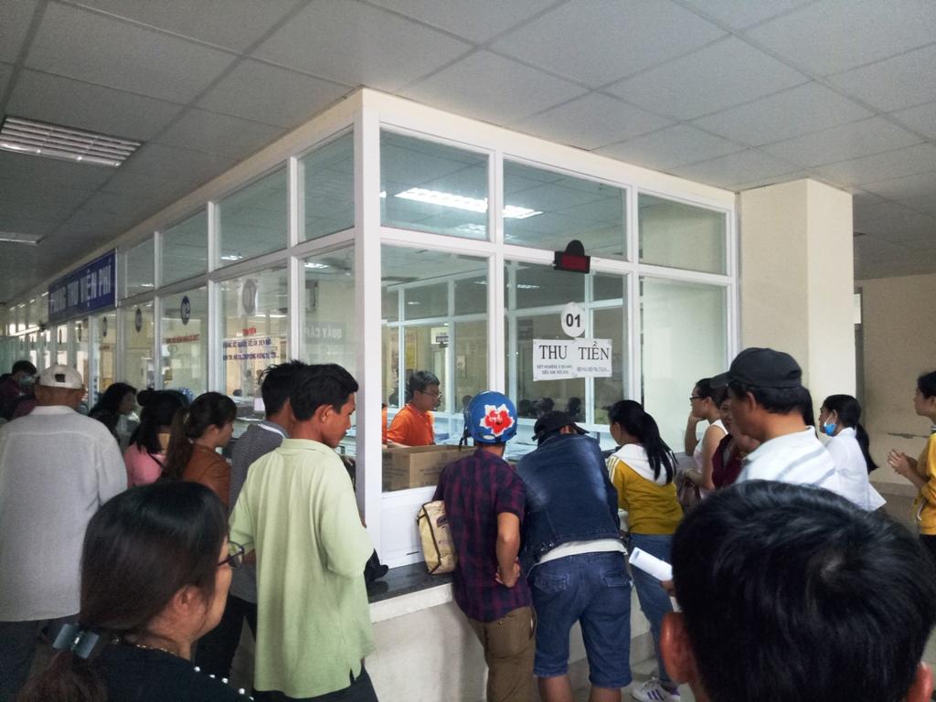 Ngày đầu tiên vận hành hệ thống phần mềm Quản lý tổng thể bệnh viện mới  tại BVĐK tỉnh Bình Định