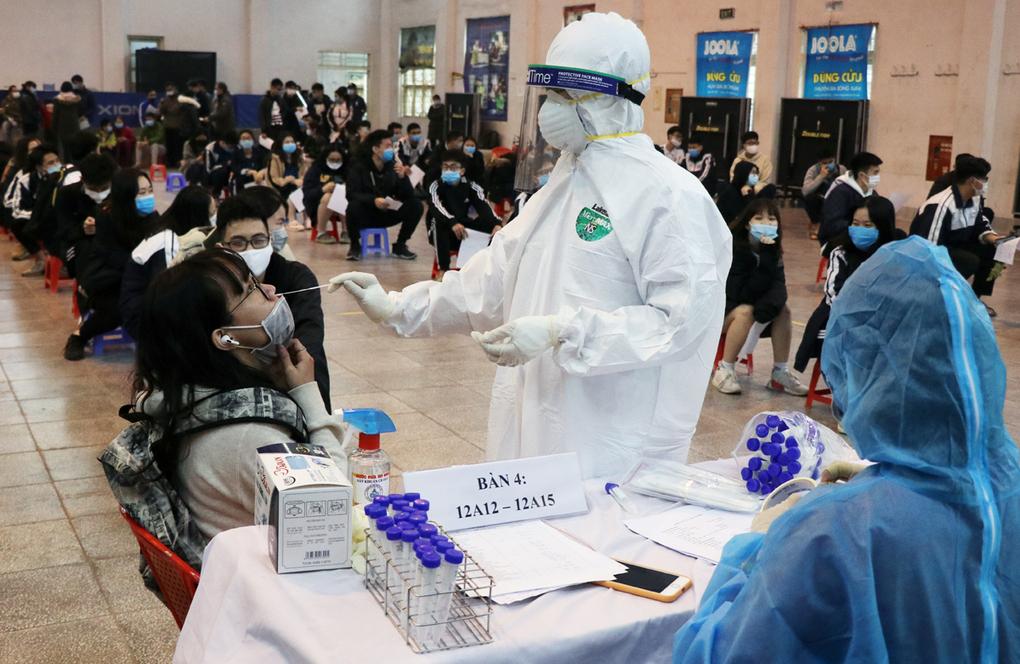 Sáng 31/1, thêm 14 ca mắc mới COVID-19 trong cộng đồng ở Hà Nội và 4 tỉnh khác