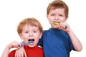 Chăm sóc răng miệng lứa tuổi học đường sao cho đúng cách