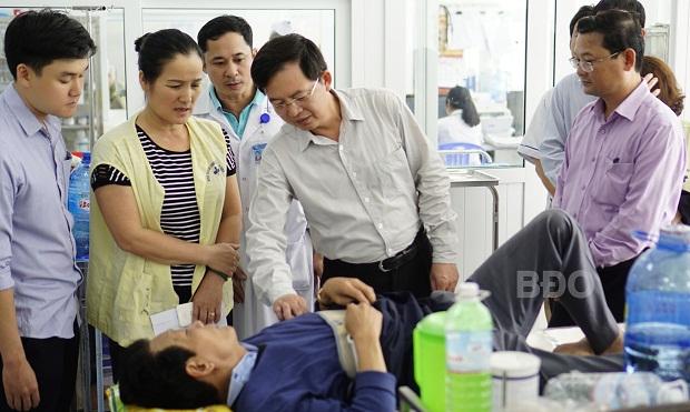 Chủ tịch UBND tỉnh thăm, động viên các nạn nhân bị TNGT
